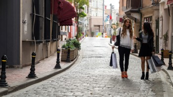 Not Only Millennials Want Walkable Communities
